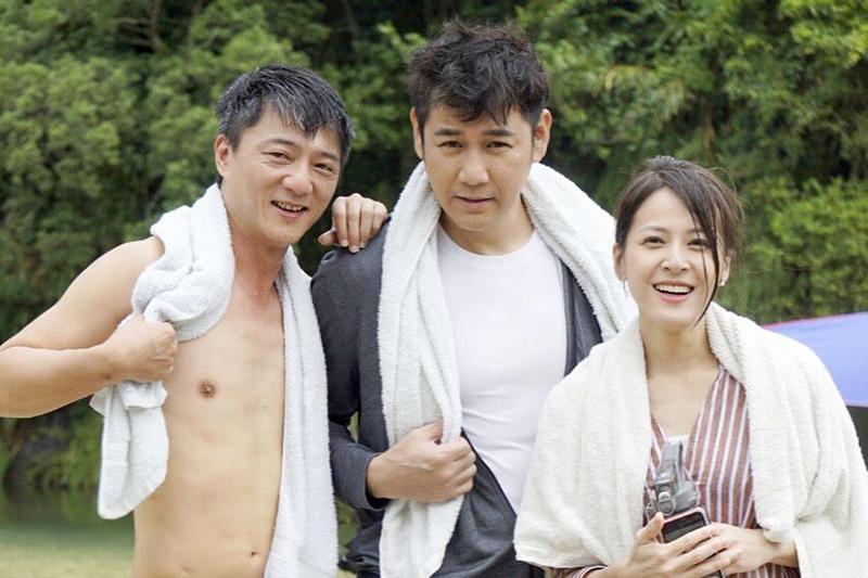 《多情城市》演員(左起)藍葦華、陳熙鋒、蘇晏霈出外景,變成見面拍照會