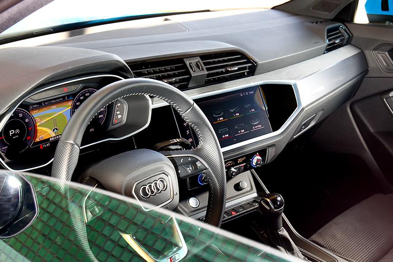 Audi新世代座艙設計,讓任何級距車型都能有著濃厚的科技不失質感的氛圍。