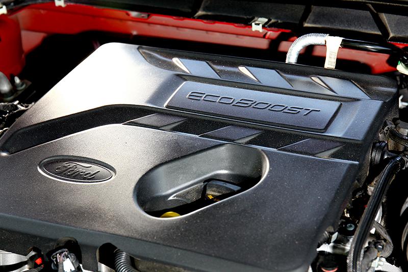1.5升三缸渦輪引擎卻有三車最大的182hp/24.5kgm輸出。
