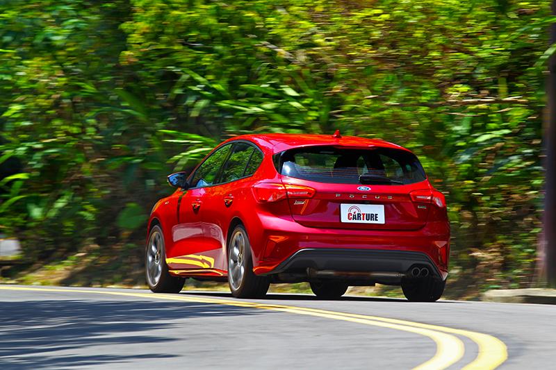 C2平台、渦輪引擎與配胎,都替Focus帶來豐富的駕駛樂趣。