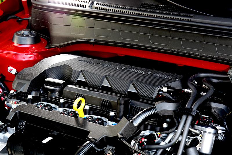 搭載的1.6升自然進氣引擎具有123hp/15.7kgm輸出。