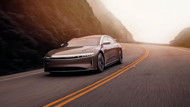 頂規Dream Edition車型具有1,080匹最大馬力及810公里續航表現,預計2021年第一季發售,建議售價為16.9萬美元起。