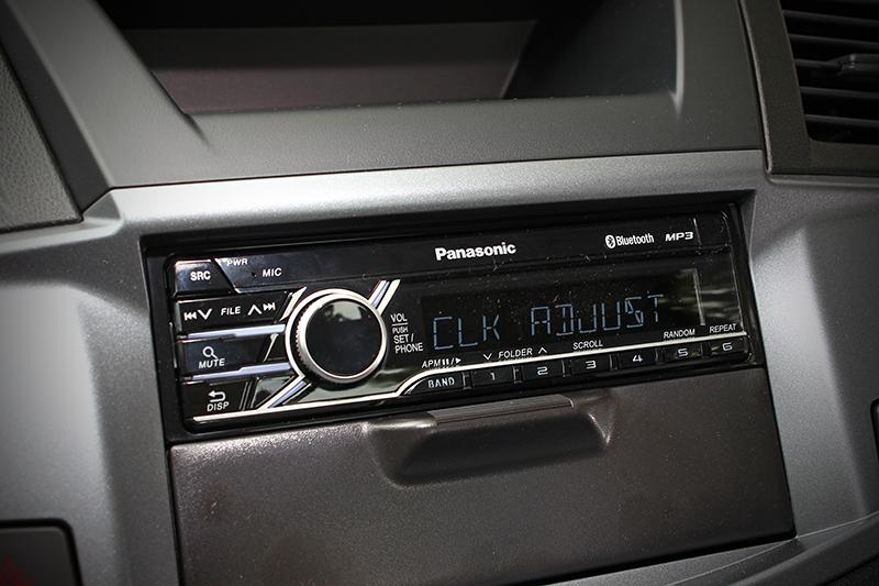 音響界面是較為陽春的1 Din主機,並非較為高檔的觸控螢幕