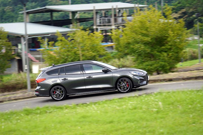 在車長延長後,讓配重更為平均,讓Focus ST Wagon開起來均衡性更好。
