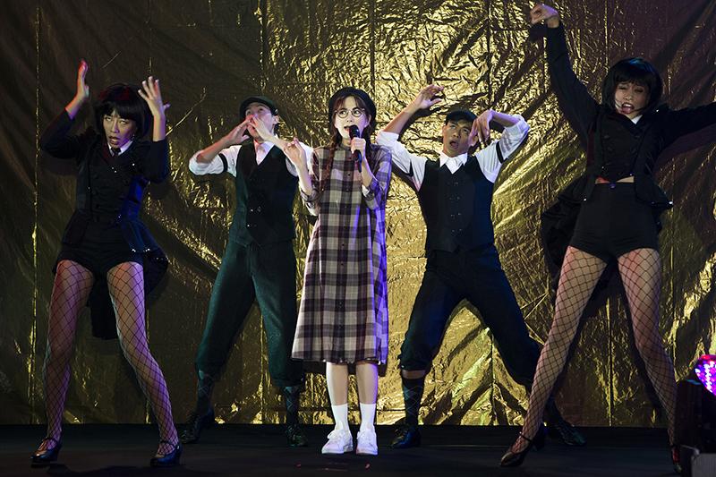 Ella陳嘉樺為了「北流」首場艾拉秀(演唱會+音樂劇+脫口秀三合一)演出,卯盡使出渾身絕活。