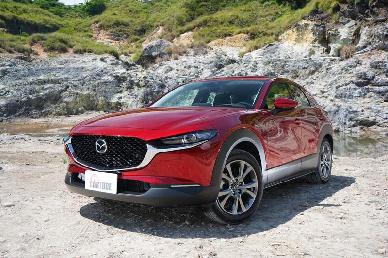 CX-30的基礎是建立在Mazda 3房車而來,稱它是增高版的Mazda 3一點也不為過