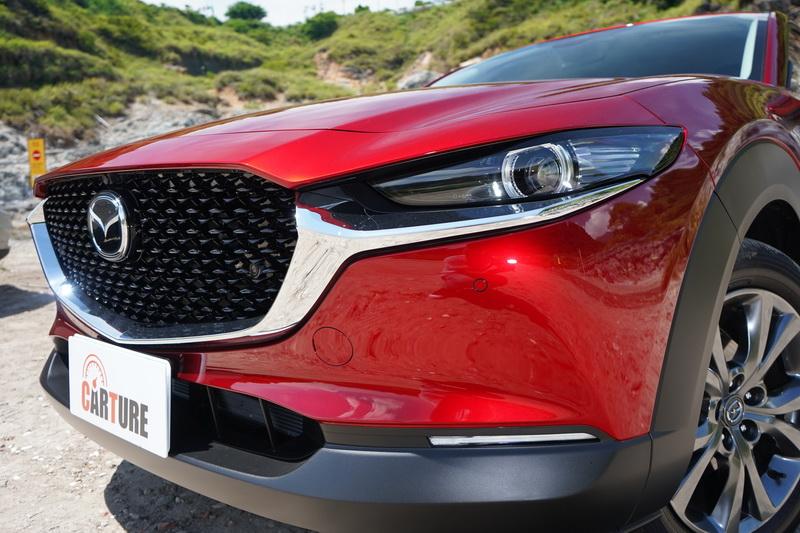 與Mazda 3相似的輪廓在潤化面容的銳角後變得更為親民