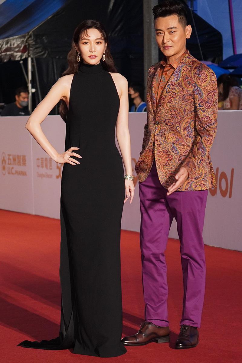 第55屆電視金鐘獎星光大道紅毯(左起)曾莞婷、陳冠霖。