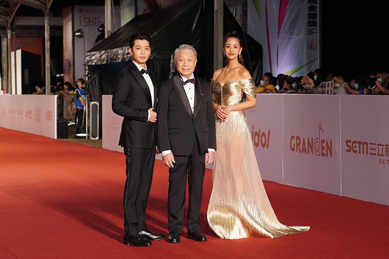 第55屆電視金鐘獎星光大道紅毯(左起)侯彥西、林義雄、莫允雯。