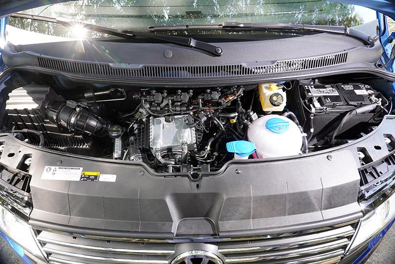 動力系統依舊搭載2.0升TDI柴油引擎,試駕車款採高動力規格,可輸出199hp/45.9kgm最大動力,搭配7速DSG雙離合器自手排變速系統,動能表現算是相當充沛,改款後導入MQB AO車輛電子系統,動力輸出與換檔都變得更為平順。