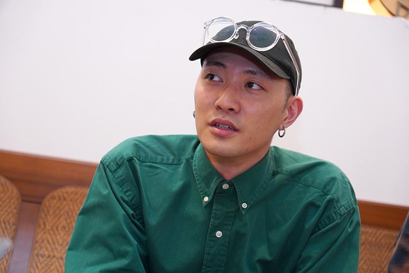 「唐貓SUGARCAT」主唱之一高真原是樂團前身的鼓手。