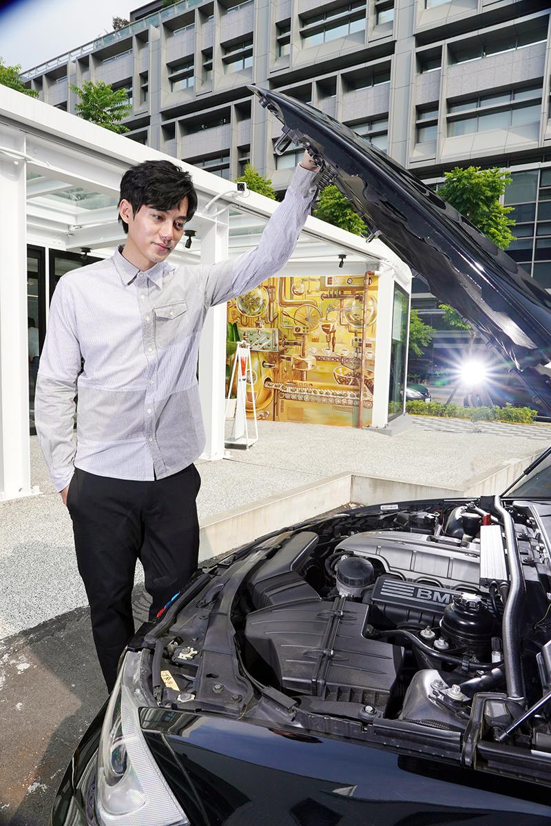 李唯楓的愛車BMW E90世代的325i。