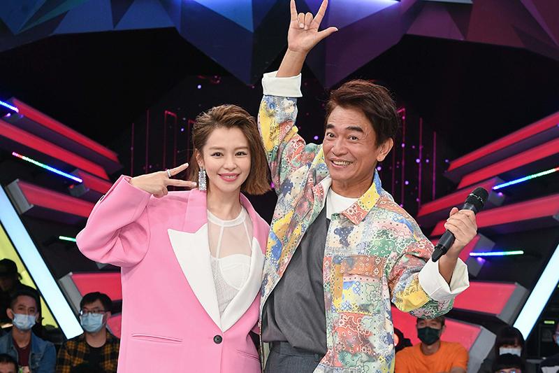 徐若瑄(左起)《I'm V》唯一綜藝節目通告獻給吳宗憲。