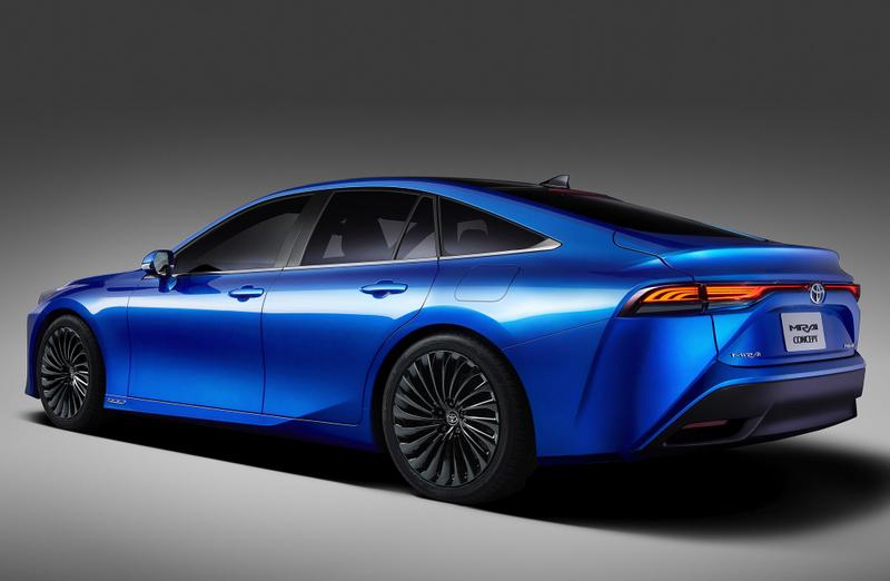 由於Mirai概念車設計已相當接近量產車,因此從中先行預覽量產車樣貌。