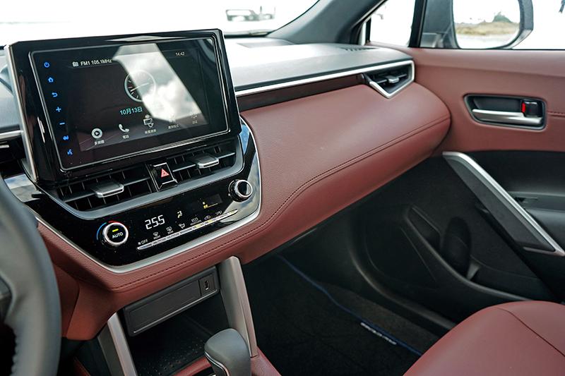 此級距還願意用大量軟質材料包覆車艙就相當具誠意