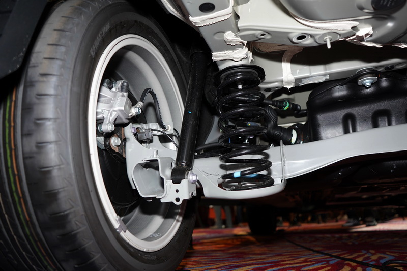 Corolla Cross雖同採用TNGA底盤,不過後軸並非獨立懸吊而是改為扭力梁設定