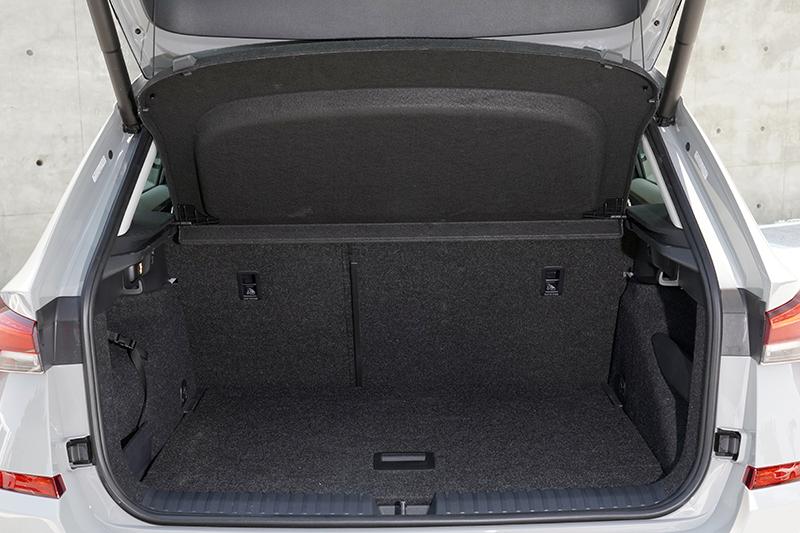 Skoda Kamiq行李箱的70公分距地高度能以最舒適的方式將物品置入尾廂