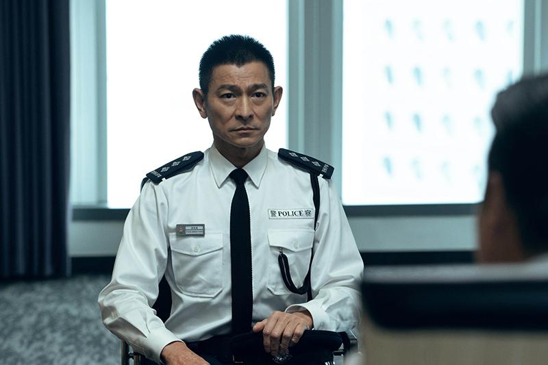 電影《拆彈專家2》由劉德華監製及主演。