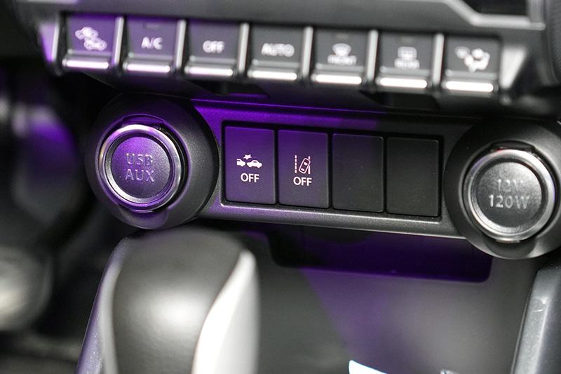小改Ignis也增配DCBS煞車輔助系統、LDWS車道偏移警示系統與Weaving alert駕駛疲勞警示等主動安全配備。