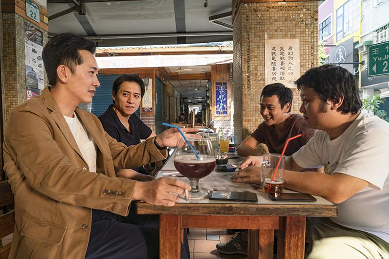 《同學麥娜絲》「四人幫」代表四種現代人縮影(左起)施名帥、鄭人碩、劉冠廷、納豆。