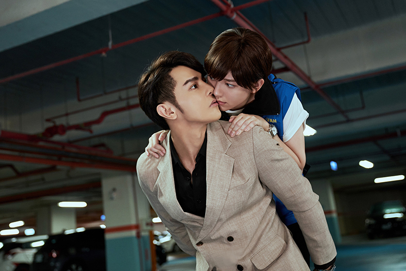【車勢星聞】《因為我喜歡你》汪東城停車場帥氣揹郭雪芙意外獲「初吻」。/八大電視提供