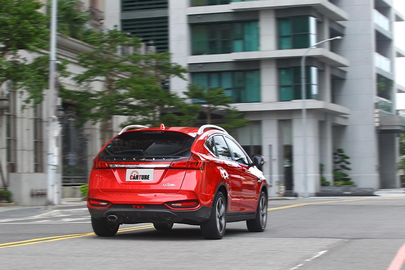 不只加速爽快,U6 GT的動態特質也更偏積極熱情的調性。