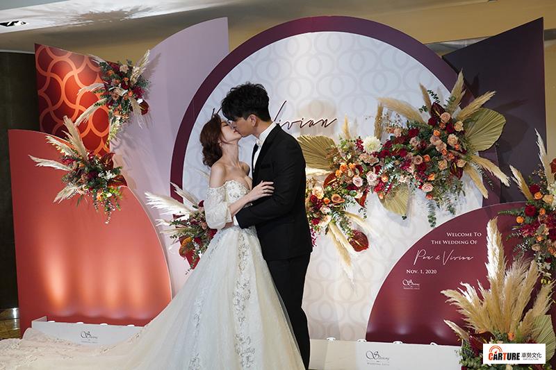 【車勢星聞】潘逸安婚宴沒找婚顧,婚禮大小事都由老婆Vivian親力親為。
