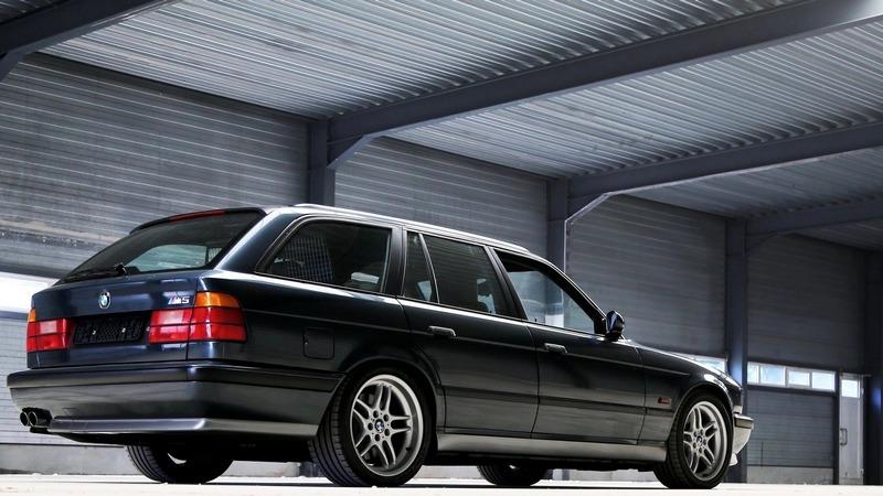 BMW M旅行車只有推出E34 M5 Touring與E61 M5 Touring。
