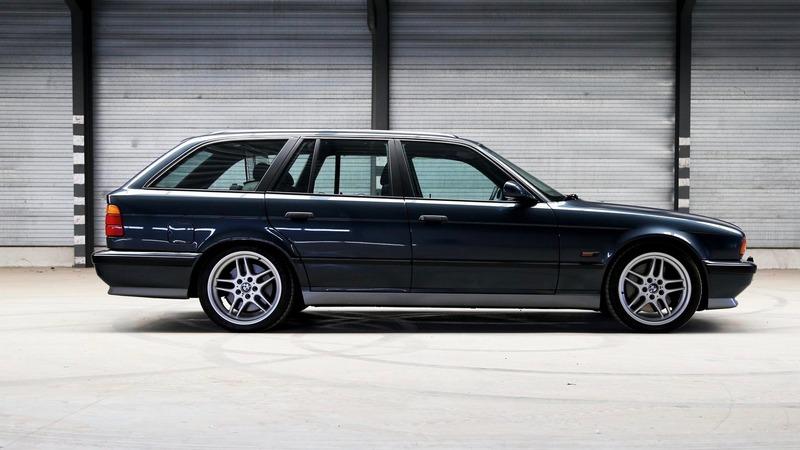 日前國外拍賣網站有一輛E34 M5 Touring在拍賣。