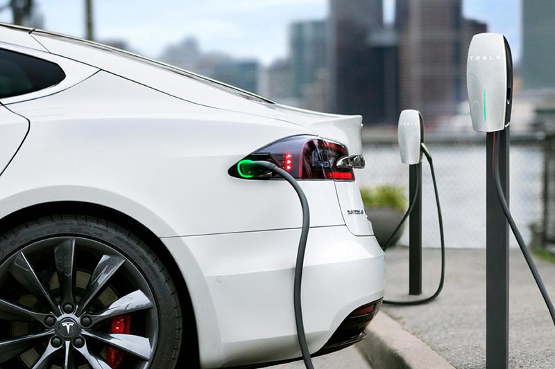 車廠積極推出電能車加上優惠補助,未來電能車銷售還會繼續成長。