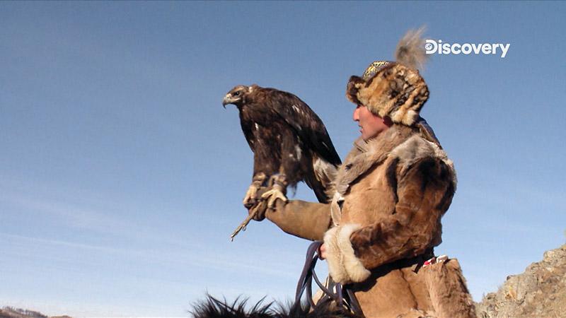 追捕喬埃的蒙古戰士卻發動秘密武器-獵鷹來追蹤他的行跡。