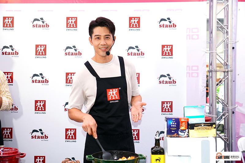 【車勢星聞】廚具品牌Zwilling《德國雙人》邀請藝人胡宇威擔任雙11活動嘉賓出席momo購物網雙11快閃活動。