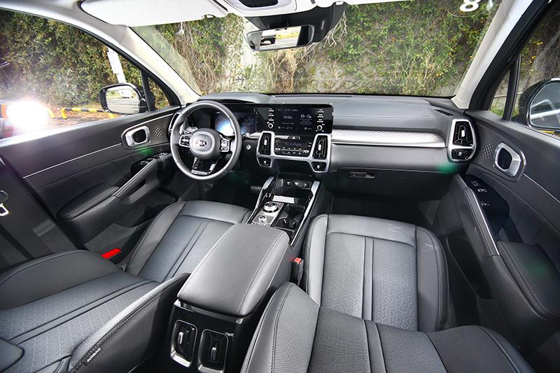 新世代Sorento座艙在經過重新設計後有著媲美高級車水準。