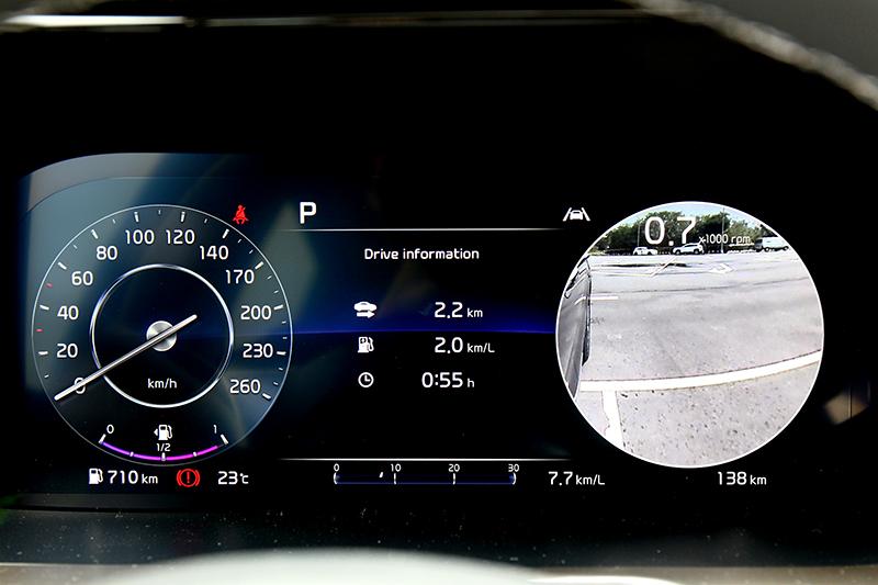 BVM盲區顯影輔助系統在打方向燈時會在儀表顯示該側車後影像。