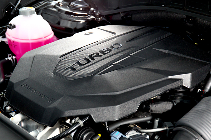 搭載全新鋁合金2.2升柴油引擎,具有202hp/45kgm輸出。