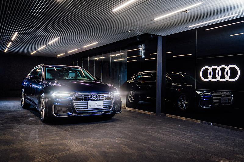 全新Audi 大安展示中心交車室。