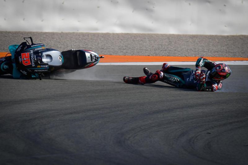近期Quartararo運氣很不好,本站一開賽就因失誤掉落至最後,比賽後段還轉倒退賽。