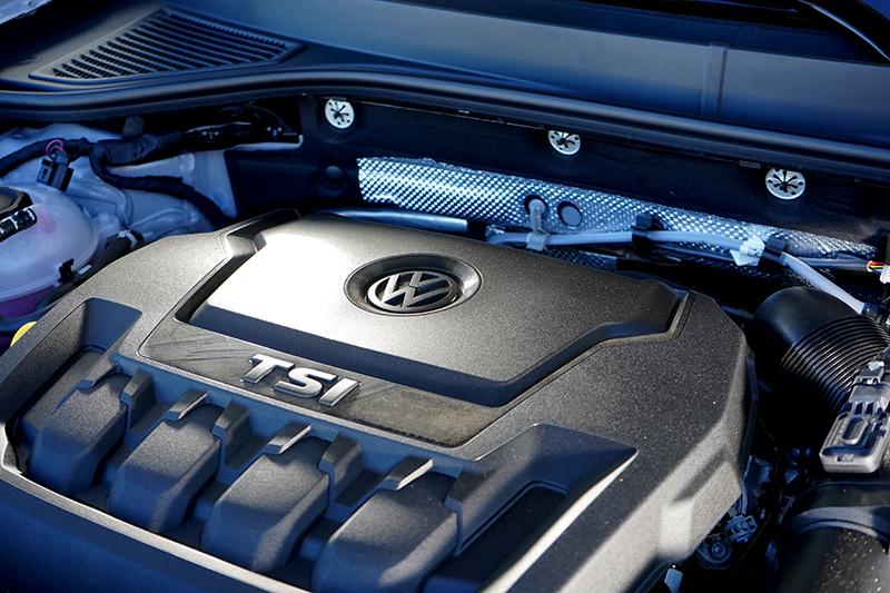 2.0 升TSI 引擎則有190ps 最大馬力與32.6kgm 扭力。