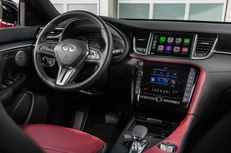 QX55座艙配置上8吋下7吋中控螢幕,整體格局也與QX50相近。
