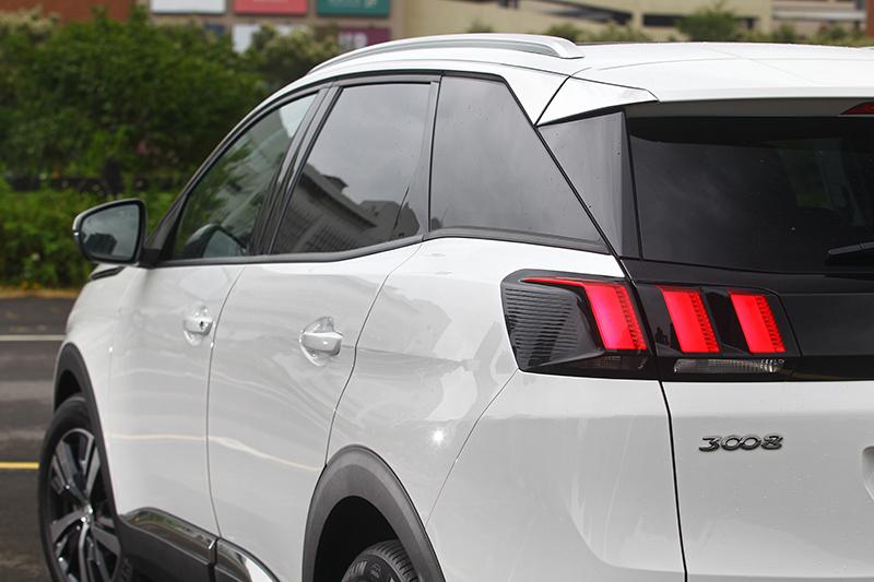 將最受歡迎的中型SUV車格配上大扭力柴油動力輸出,正是眼前的Peugeot 3008 1.5L BlueHDi Allure+。