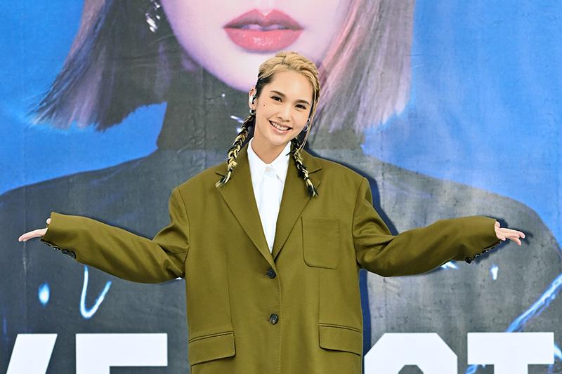 【車勢星聞】楊丞琳《Like A Star》台北簽唱會,重回4 in Love出道活動地點憶星路。(圖:EMI提供)