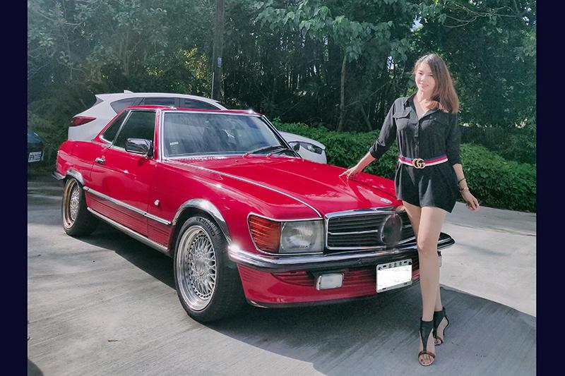 【車勢星聞】林美貞現在的座駕是SL300。(圖:艾迪昇傳播提供)