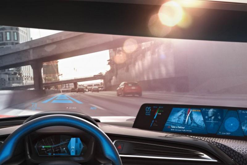 現今許多車款都已有配備半自動駕駛功能,但IIHS研究卻指出這一點都不安全!