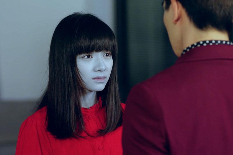 【車勢星聞】《天巡者》姚愛寗(左)常被自己女鬼扮相嚇到 。(圖:台視提供)