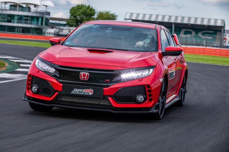 近日有消息傳出Honda可能會因適逢品牌75週年及S2000 25週年帶來全新世代車型。