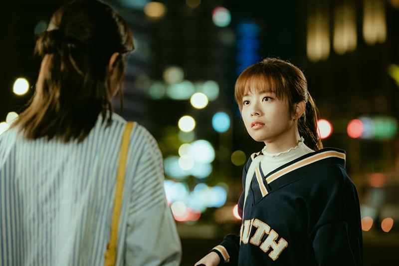 【車勢星聞】程雅晨(右)認為一起做過壞事,擁有共同的小秘密的才稱得上閨蜜。(圖:三立提供)