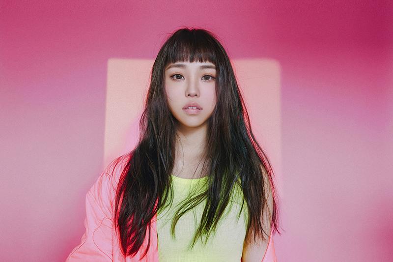 【車勢星聞】《聲林之王2》總冠軍艾薇推出單曲「失重前幸福」。(圖:環球音樂提供)