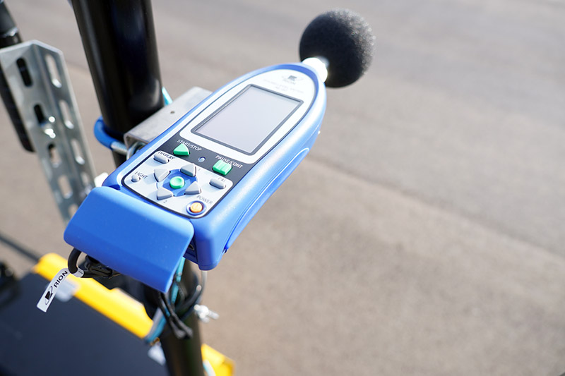 科技執法設備所採用的噪音計〈分貝計〉必須為Class1 等級。