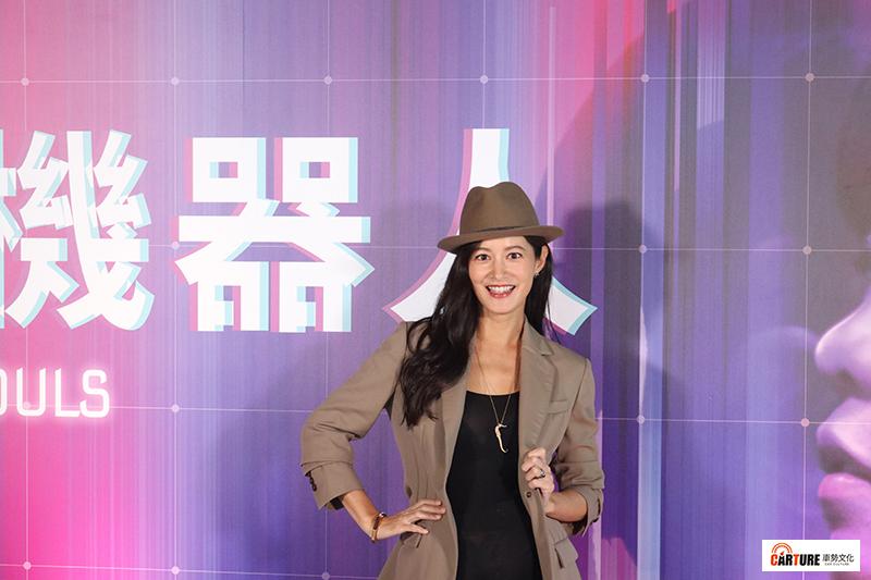 VR電影《囍宴機器人》主要演員Janet(謝怡芬)。
