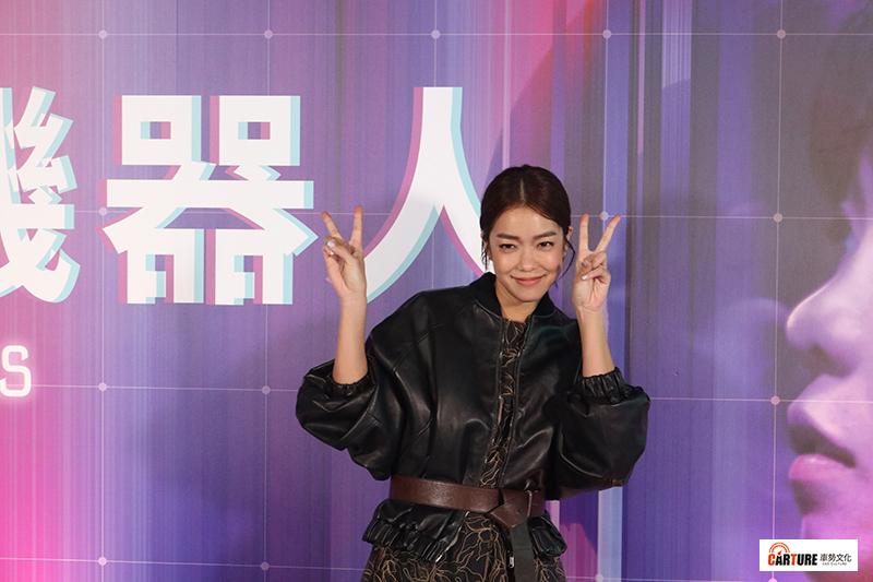 VR電影《囍宴機器人》主要演員李霈瑜(大霈)順勢宣傳電影《消失的情人節》。